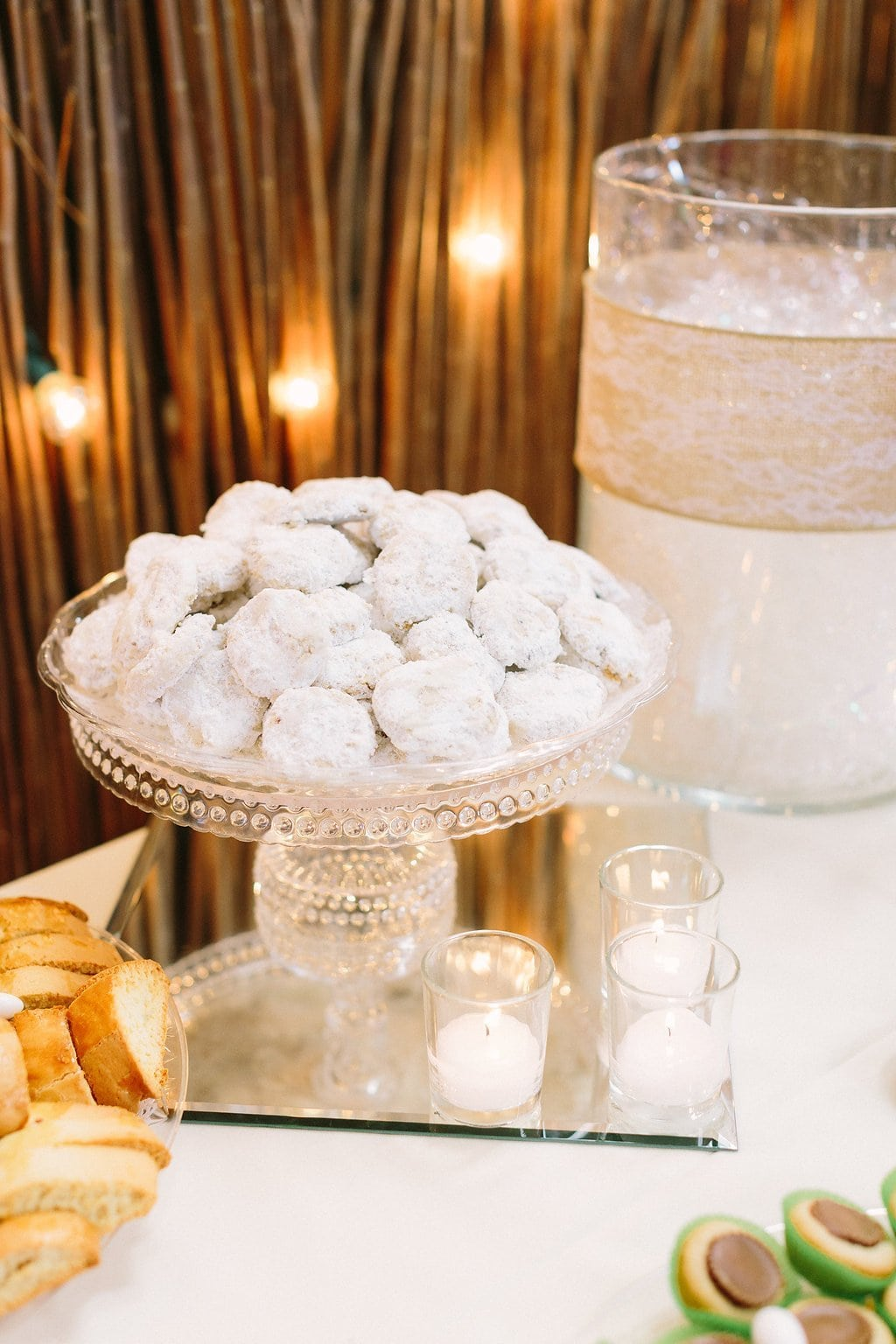 cookie table Mexican wedding cookies