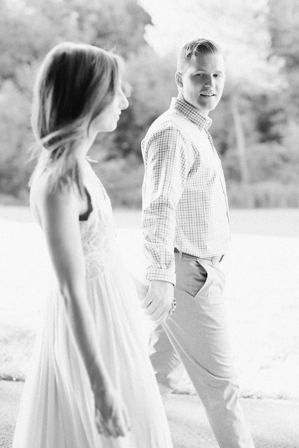 Lauren Renee Pittsburgh Engagement Photographer