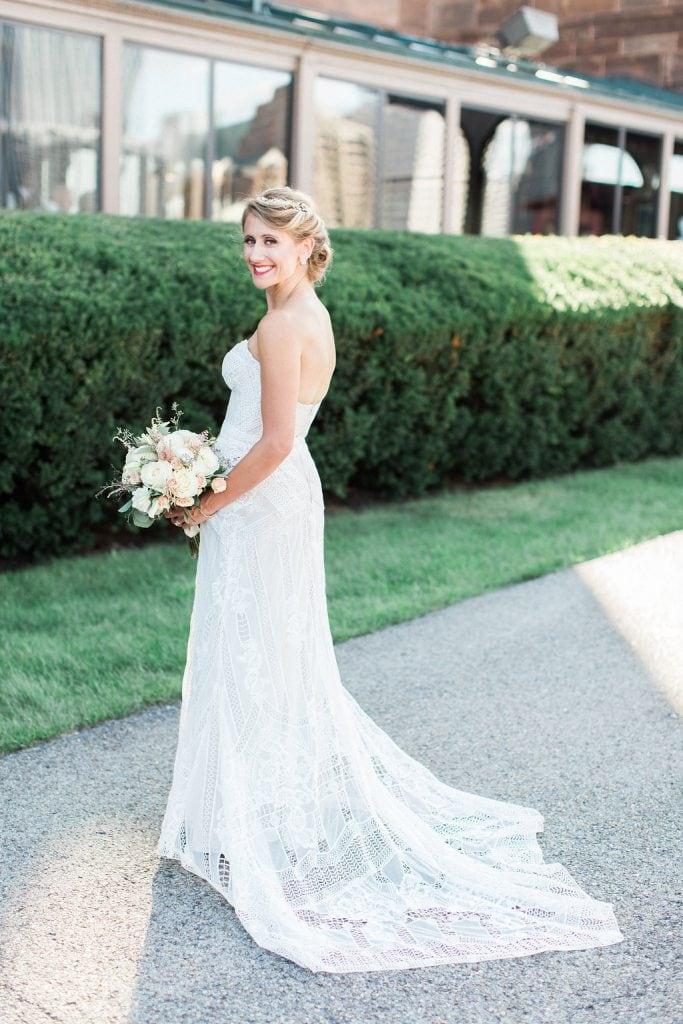 Photo of Bride Jeni Stepien outside the Grand Concourse
