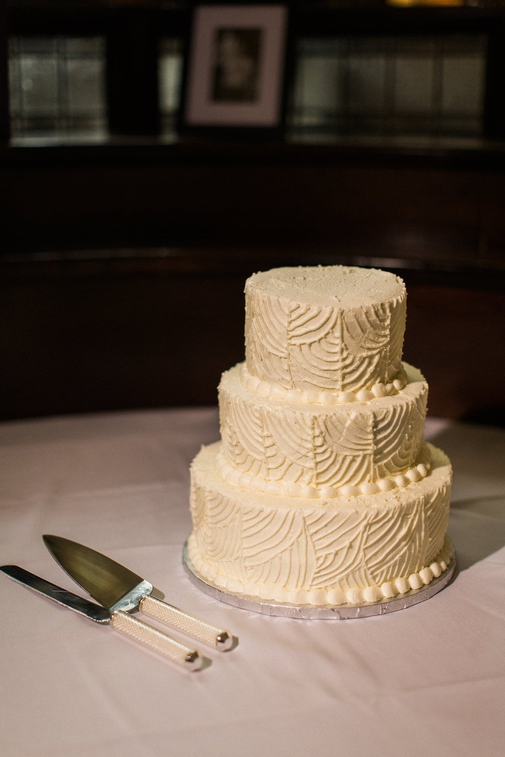 Simple white wedding cake from Gluuteny Bakery - 1920's inspired wedding Grand Concourse