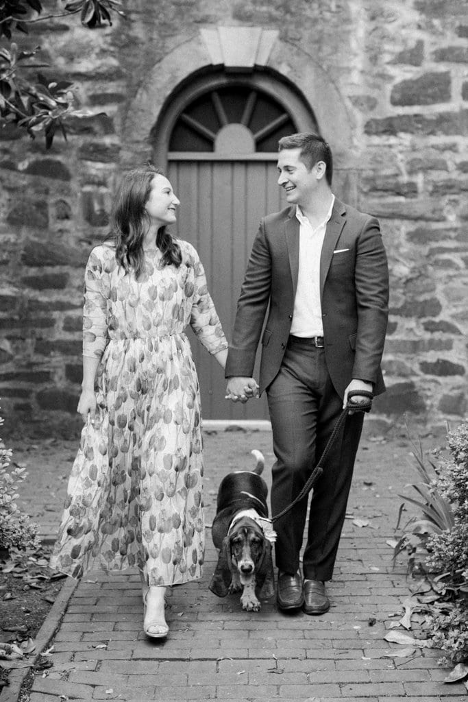 Black and white engagement photos at the Carlyle House