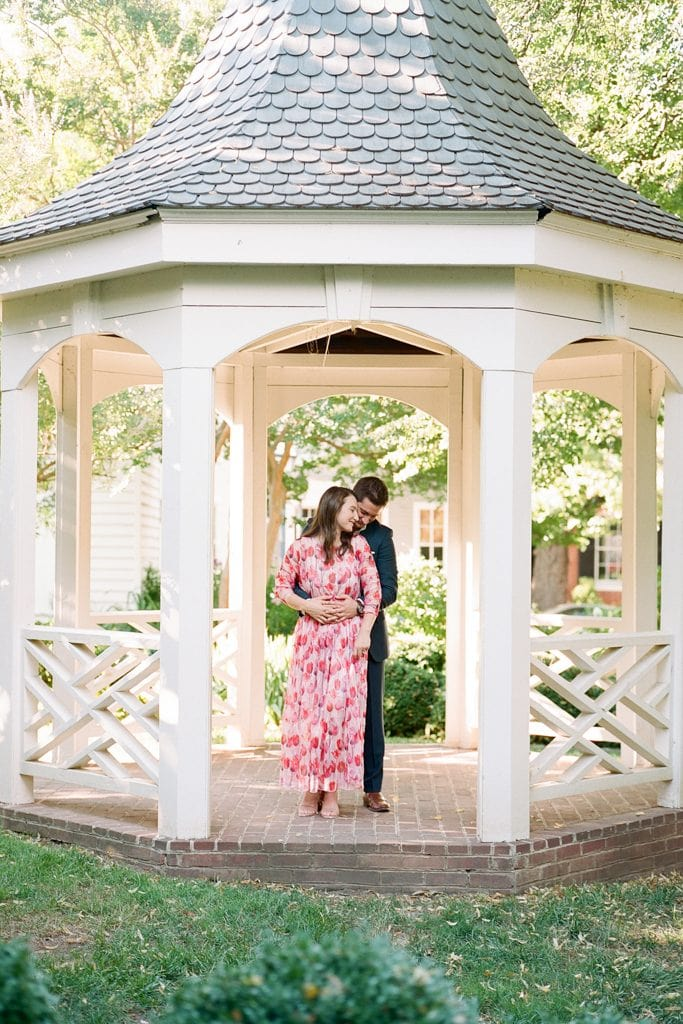 Engagement photos at the Carlyle House in Alexandria