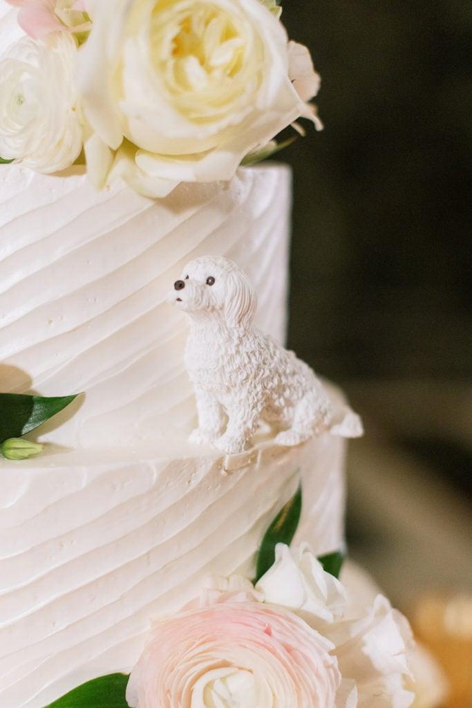 Wedding Cake Details: Pittsburgh Wedding captured by Pittsburgh Wedding Photographer Lauren Renee