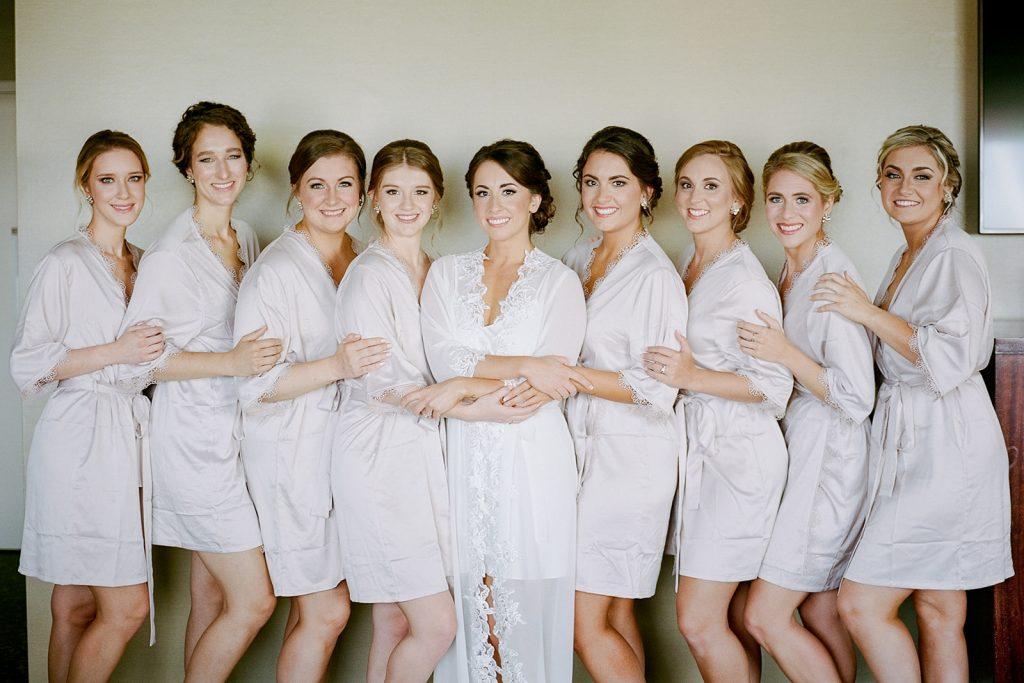 Bridal party photography by Pittsburgh wedding photographer Lauren Renee