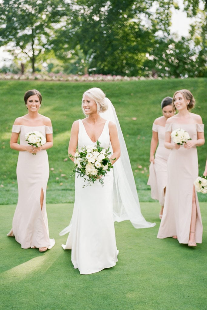 White and Gold Pittsburgh Field Club Wedding captured by Lauren Renee