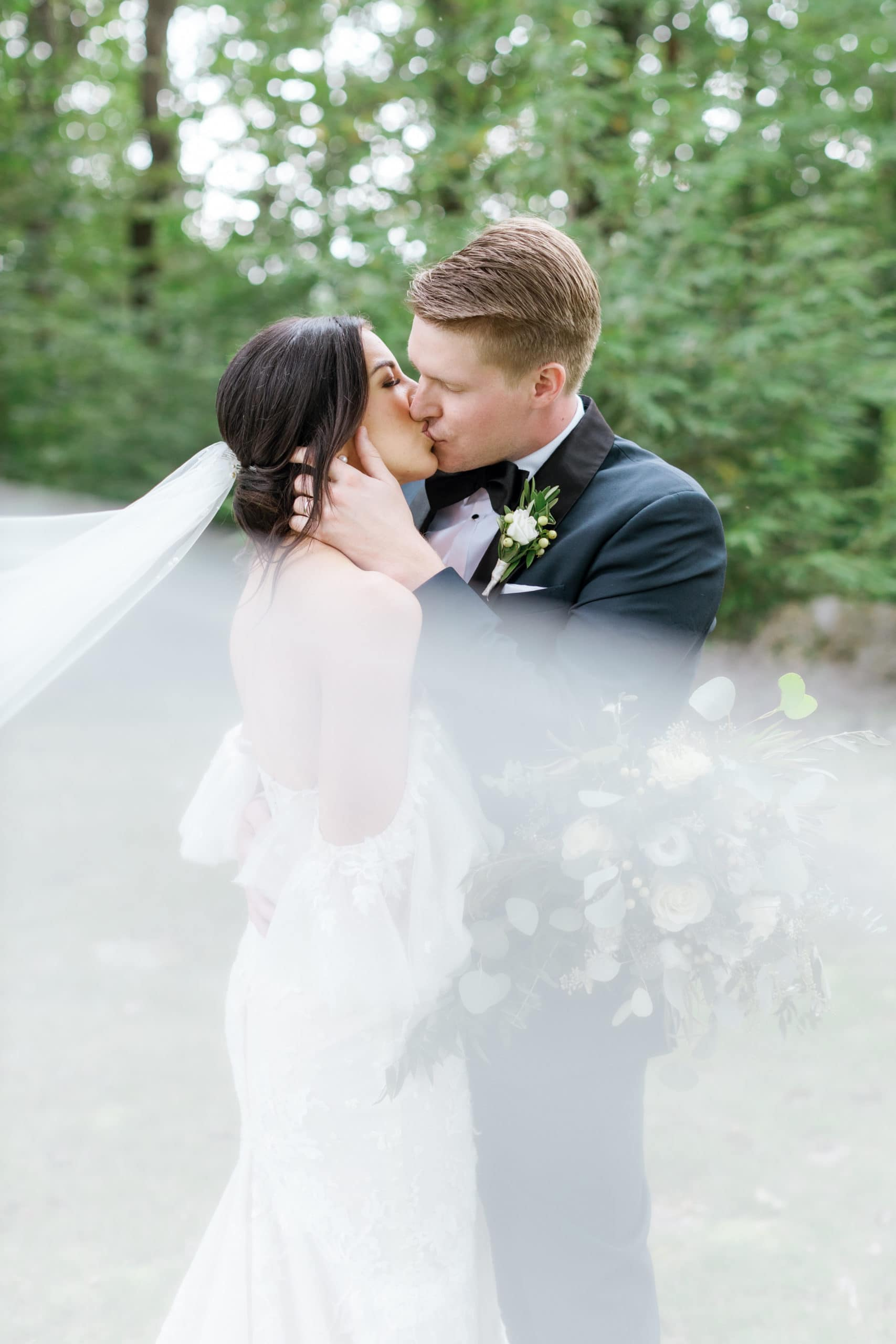 Outdoor Fall Seven Springs Wedding captured by Pittsburgh Wedding Photographer Lauren Renee