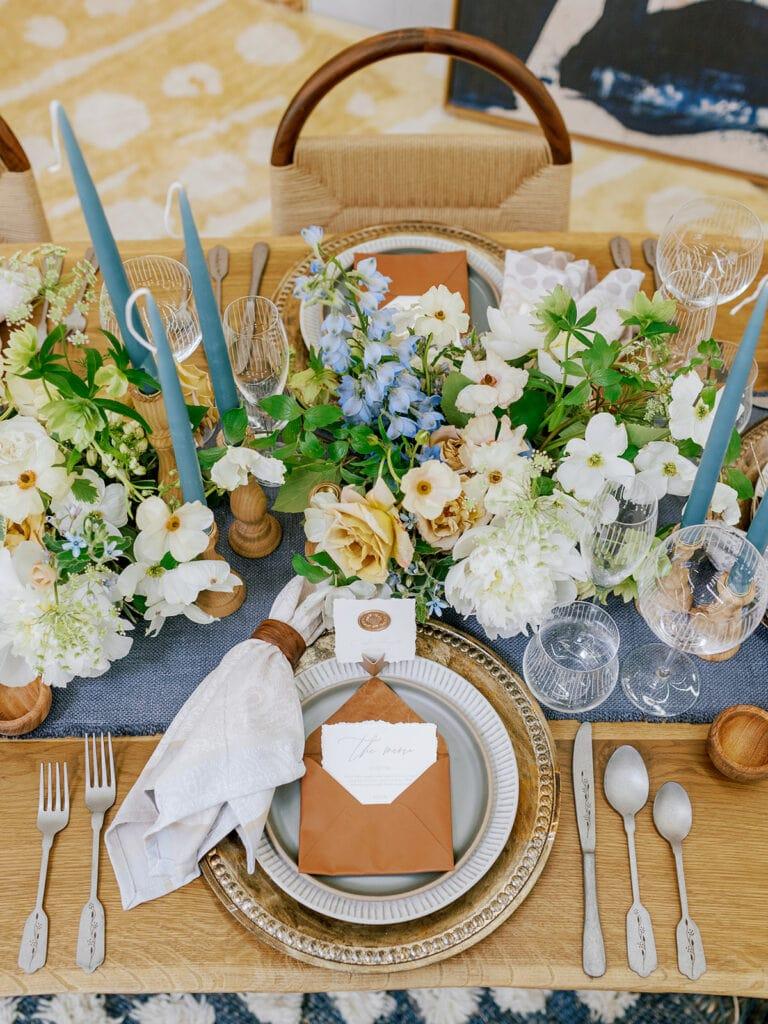 Earthy wedding table decor